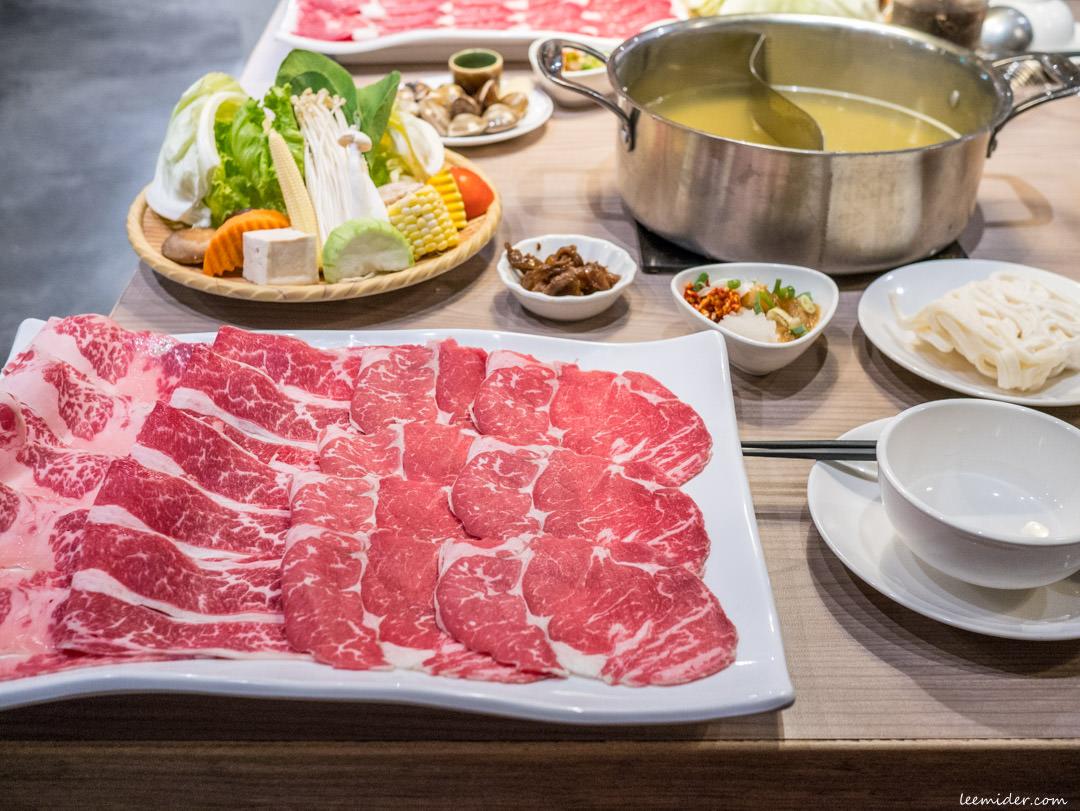 台北東區火鍋-肉食主義精緻鍋物,忠孝復興站自選份量大肉盤套餐