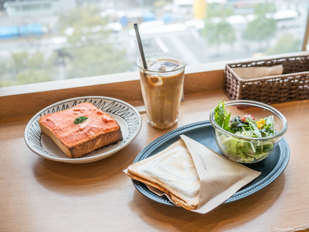 九州福岡-就用滿滿明太子烤吐司當早午餐!むつか堂CAFE,博多車站AMU PLAZA百貨內