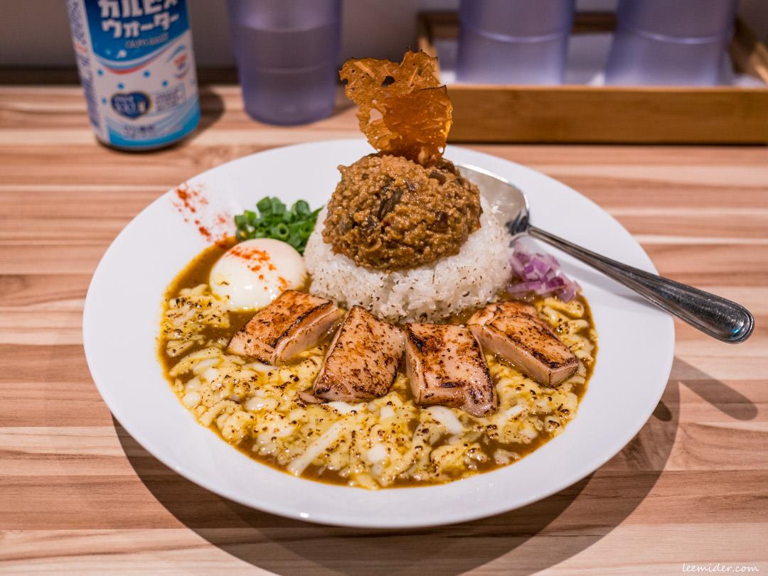 台北東區-盈豚骨カレー咖哩飯專門,大安區忠孝敦化站,以豚骨高湯為底的混搭風味