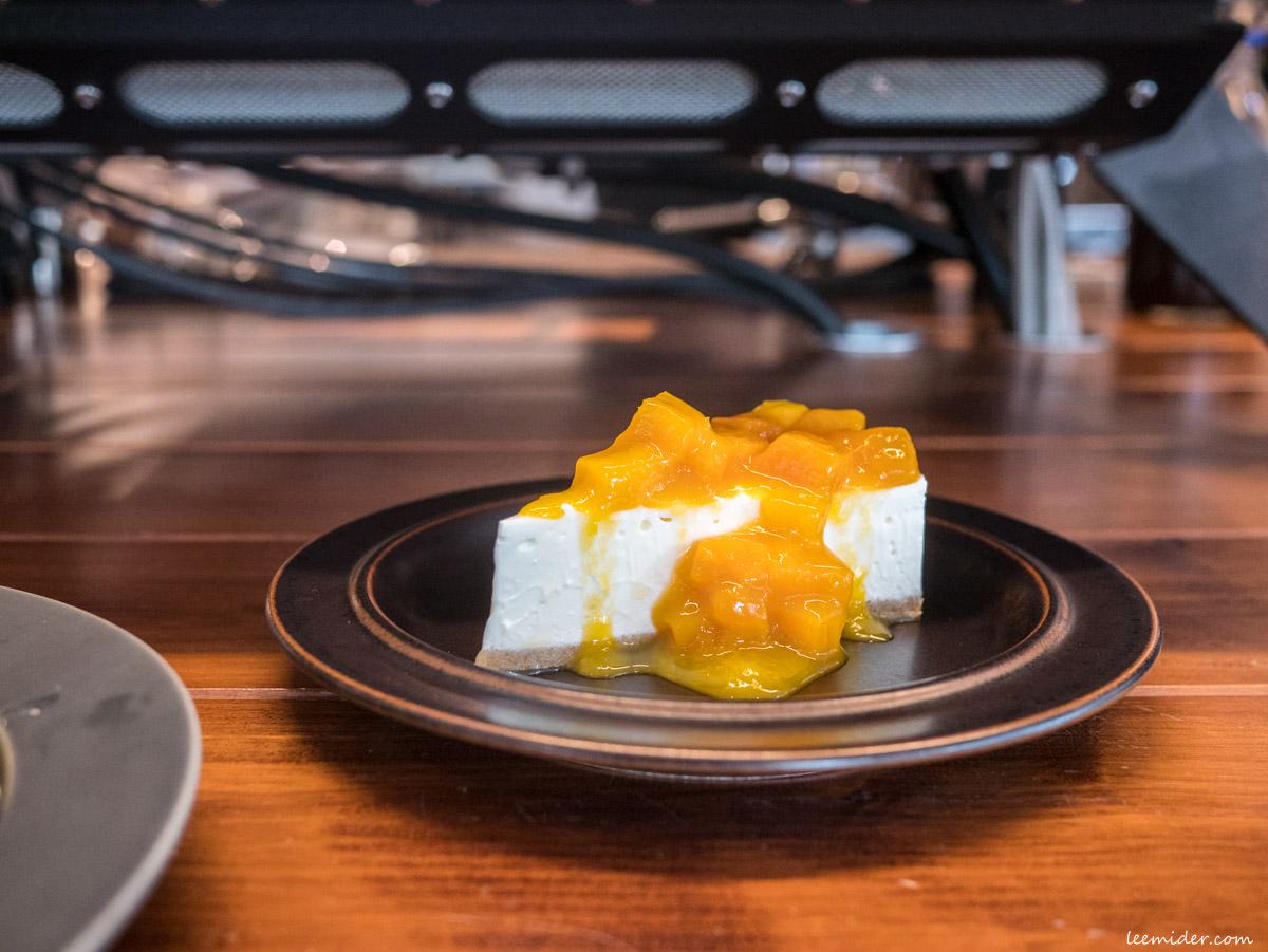 Powder workshop夏季限定的芒果生乳酪蛋糕
