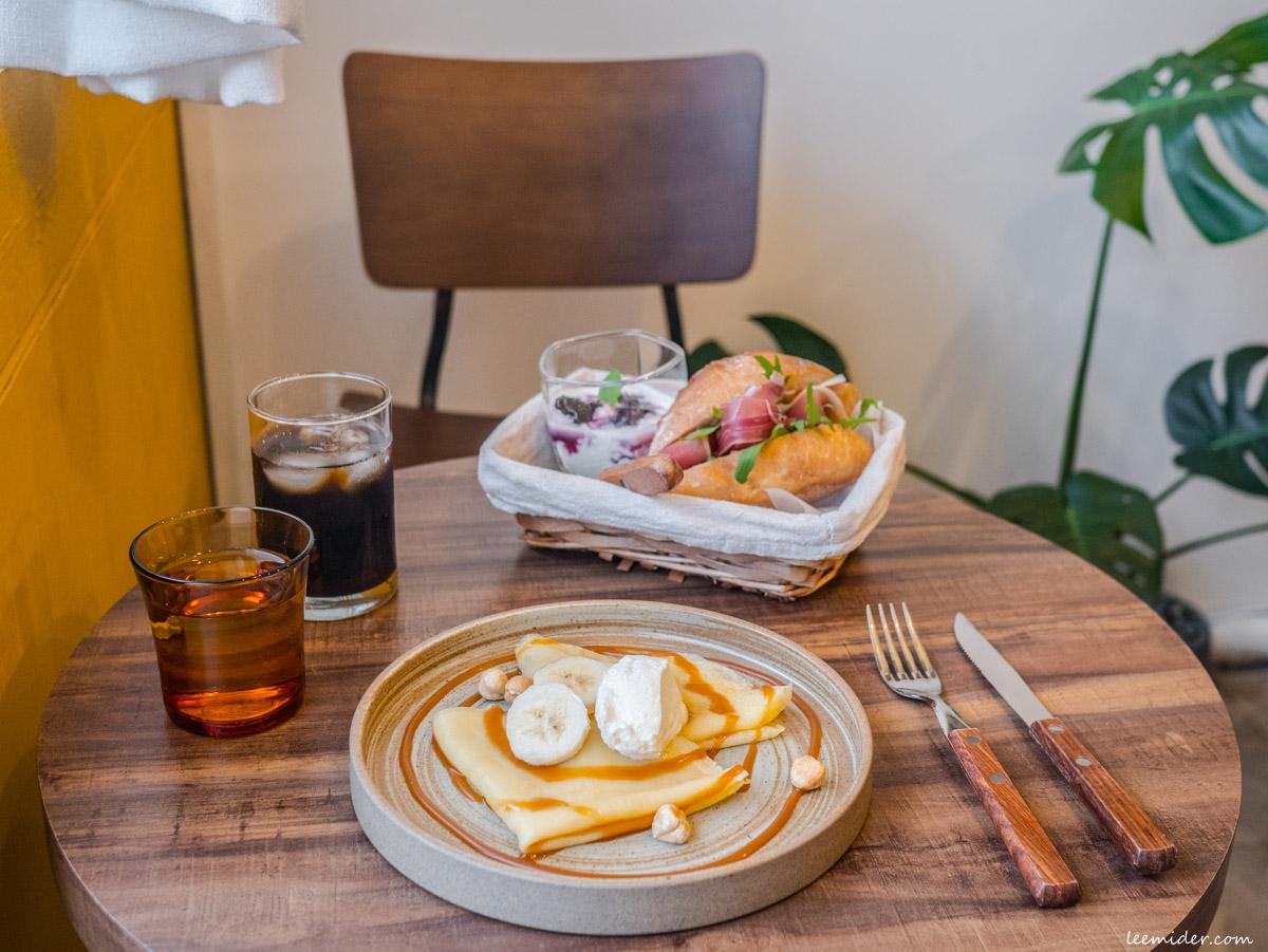 台北古亭-Buloo Cafe,一人打理的迷你咖啡店,有好吃的三明治,法式薄餅和司康配自製果醬