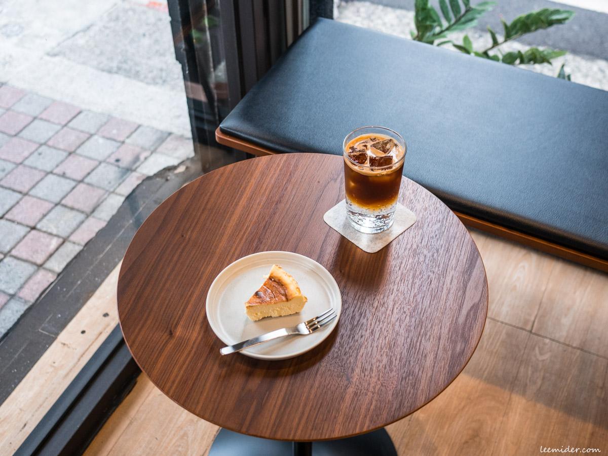 台北中山區咖啡館-kikumo菊も,城市街頭的微型咖啡因補充站